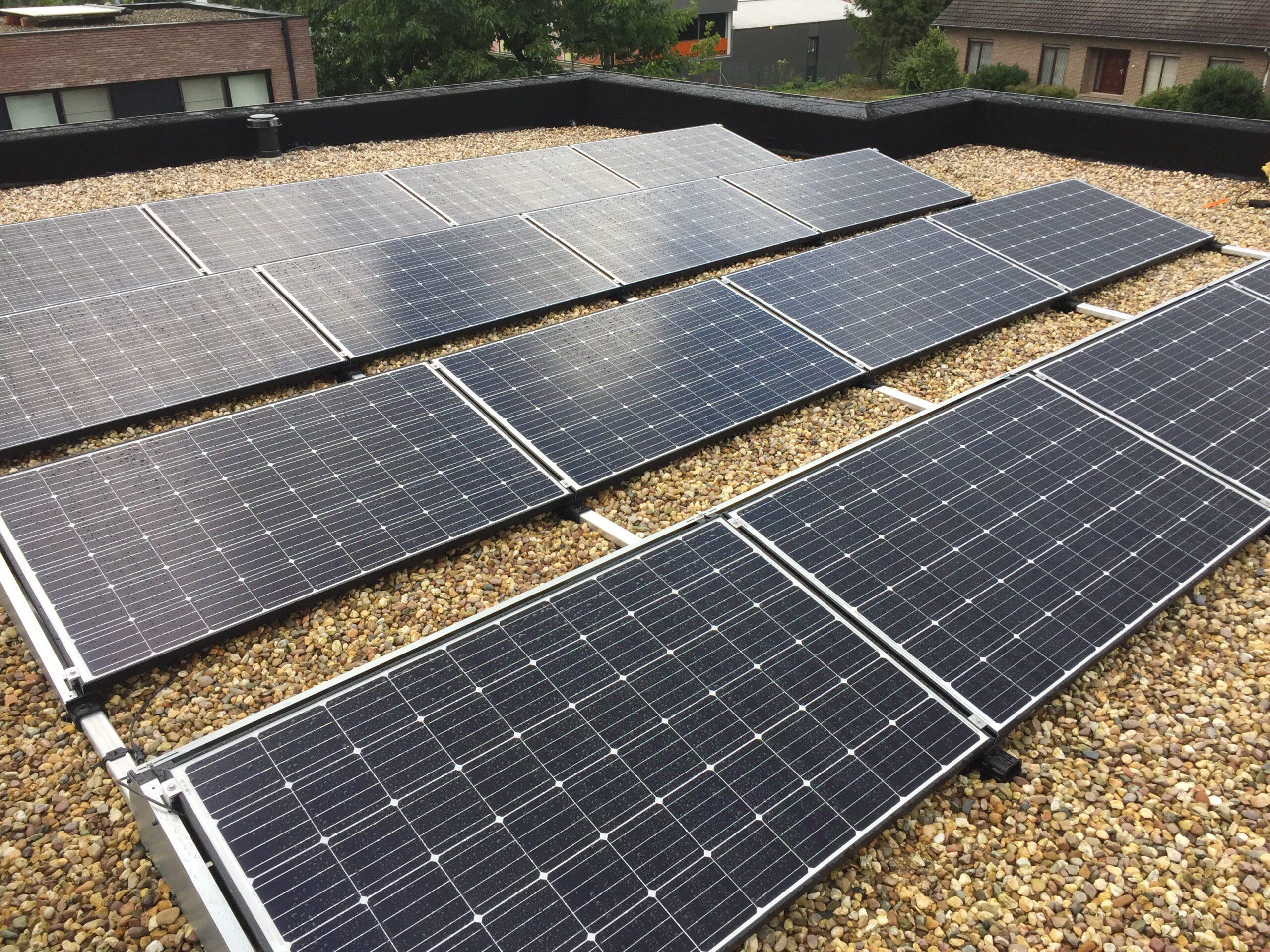Voorbeelden van enkele PV installaties